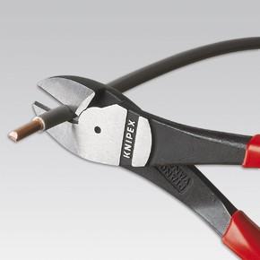Боковые черненые кусачки Knipex особой мощности, чёрного цвета, 140 мм